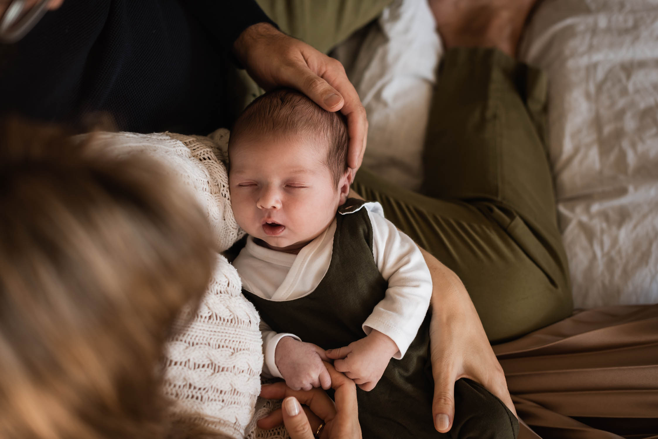 Ein Neugeborenen Baby Fotoshooting in Baden Aargau
