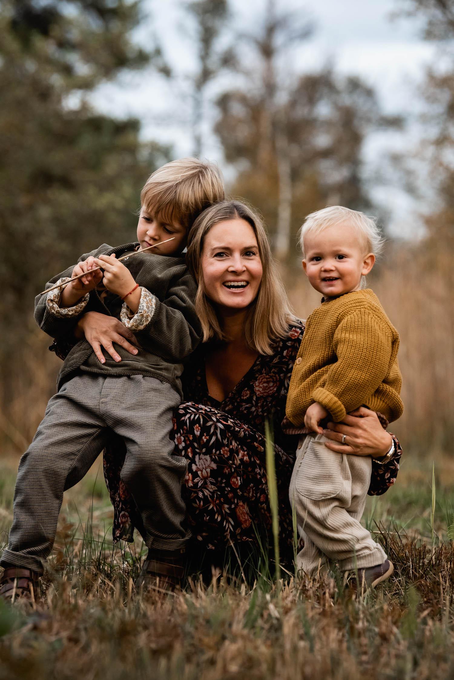 Motherhood Session: Fotos von Mutter und Kindern in Zürich